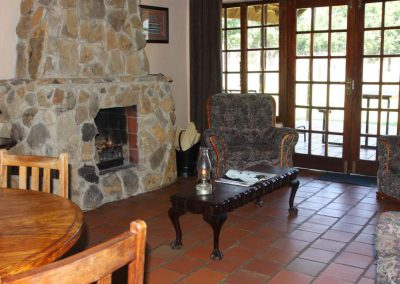 Mountain Cottage Lounge